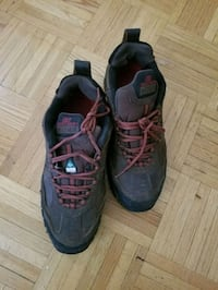 pair of black steel toe boots  Toronto, M3A 2X1