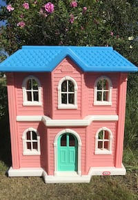 Little Tikes Doll House - 3'X3' - $100