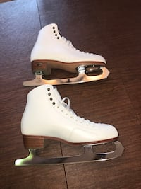 pair of white ice skates Burke, 22015