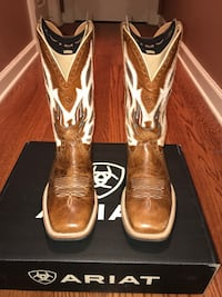 beige-and-brown Ariat square-toe cowboy boots with box Brandon, 39042