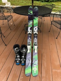 Salomon skis and boots Ossining, 10562