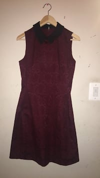 women's maroon sleeveless dress with lace detailing  47 km