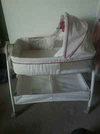 Graco Baby Dream Suite Bassinette and baby changer Waldorf, 20603
