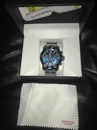 round black chronograph watch with silver link bracelet Carlsbad, 92011