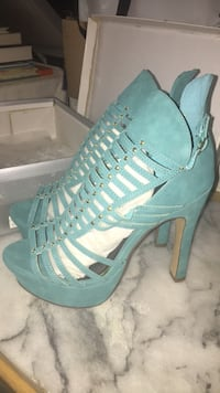 Tiffany Blue heels. Size 8. Brand new with box Toronto, M5A 4A8