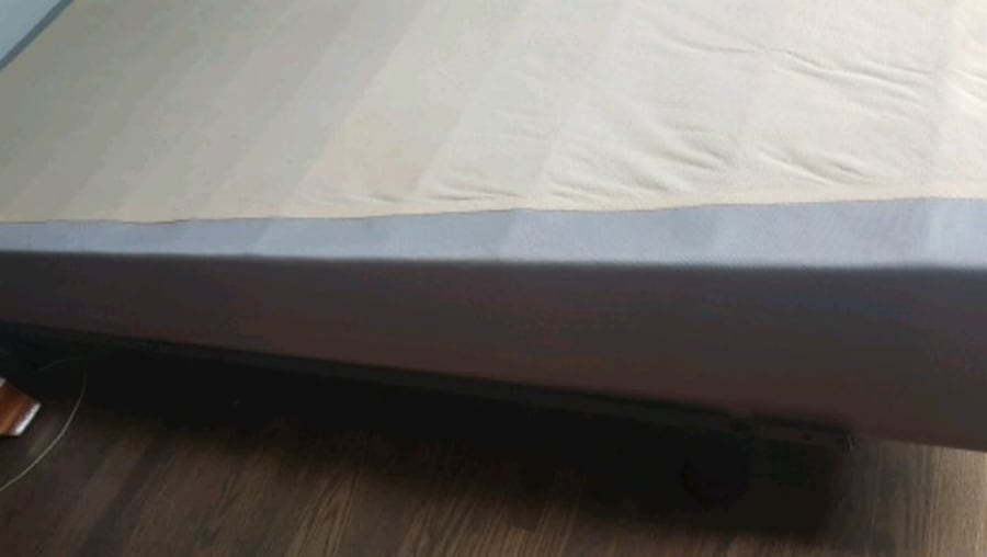 Queen bed frame with box spring 2a337a9f-c312-4758-b208-fdc1884517e1
