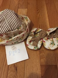 New with tags baby hat and baby shoes