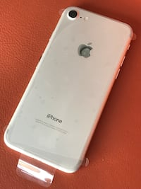 New IPhone 7 256Gb North Vancouver, V7L