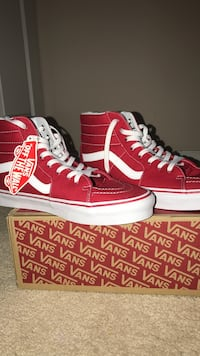 Red Vans shoes negotiable size 10.5 like new Centreville, 20120