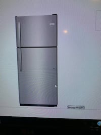 3 month old Frigidaire 20.4-cu ft Stainless Refrigerator null