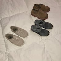 Toddler size 10 shoes  Seymour, 47274