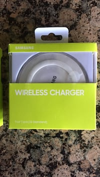white Samsung wireless charger in box Warrenton, 20187