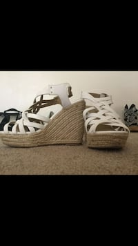 pair of white-and-brown wedge sandals London, N6K 4H3