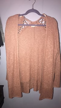 Brand new sweater size L Buford, 30518
