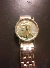 round gold-colored chronograph watch with link bracelet Midland, 79701