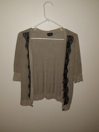 Gray and black short-sleeved cardigan