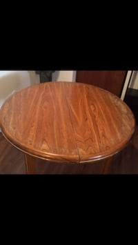Round oak dining kitchen table chène Montreal