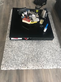 ikea table with carpet 阿灵顿, 22209