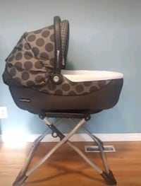 Peg perego Navetta XL bassinet and stand