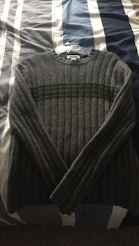 Old Navy Green and grey knitted sweater