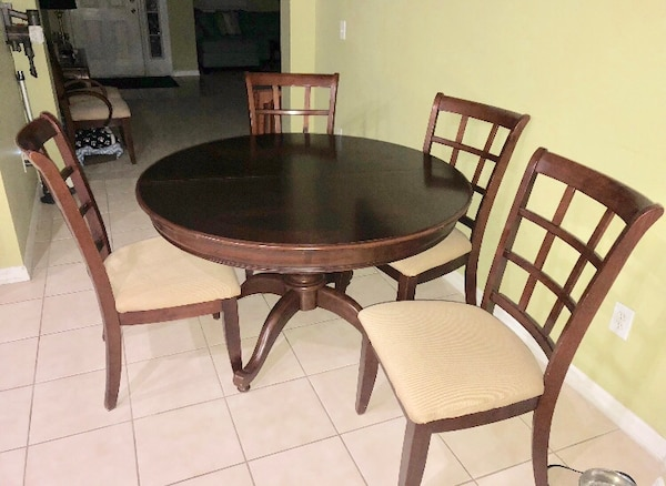 Used Dinette Dining Room Table With 6 Chairs For Sale In Orlando