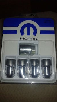 Mopar locking lugnut kit