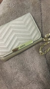 Guess wristlet  Maple Ridge, V2X 9H5