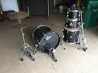 Drum set for sale in Cypress. Texas in good condition. Has one broken includes all stands  Cypress, 77433