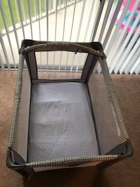 Graco Pack-N-Play. Like New!! Gainesville, 32606