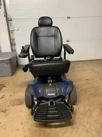 Black and blue mobility scooter Midland, 22728