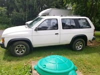 Nissan - Pathfinder - 1995 Germantown