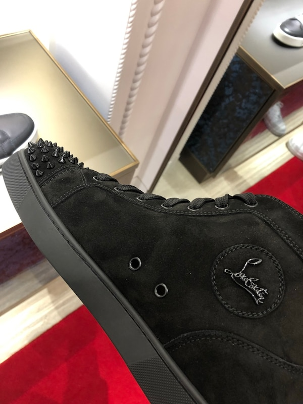 newest ff374 0e940 Christian Louboutin Junior Spikes Hightop