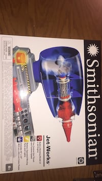 blue and red Smithsonian Jet-Works box