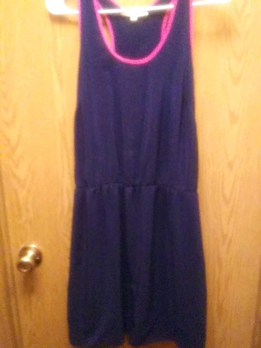 Photo Dress girls size l I PRACTICE SAFE DISTANCING ASK ME HOW