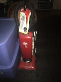 red and black Dirt Devil upright vacuum cleaner 2274 mi