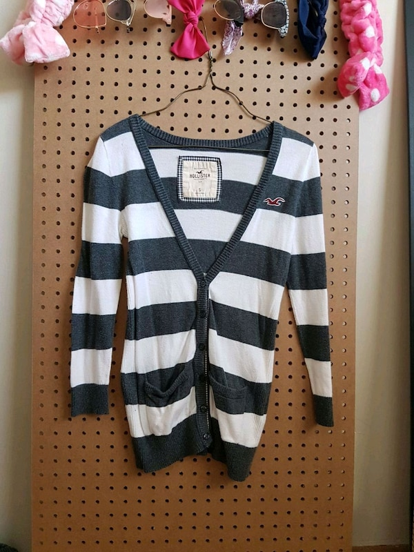 black and white Hollister sweater