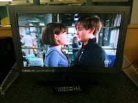 Olevia 24 inch widescreen LCD TV with remote contr Washington