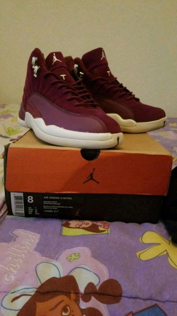 best loved ac196 c2d40 pair of maroon-and-white Air Jordan 12 shoes with