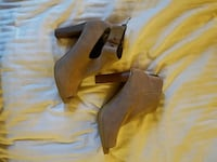 Size 7 and 1/2 Loft heels New London, 06320