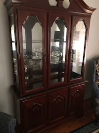 Sturdy wooden china cabinet Akron, 44305
