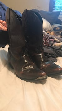 pair of black leather cowboy boots Goshen, 40026