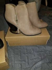 pair of gray suede boots Lubbock, 79413