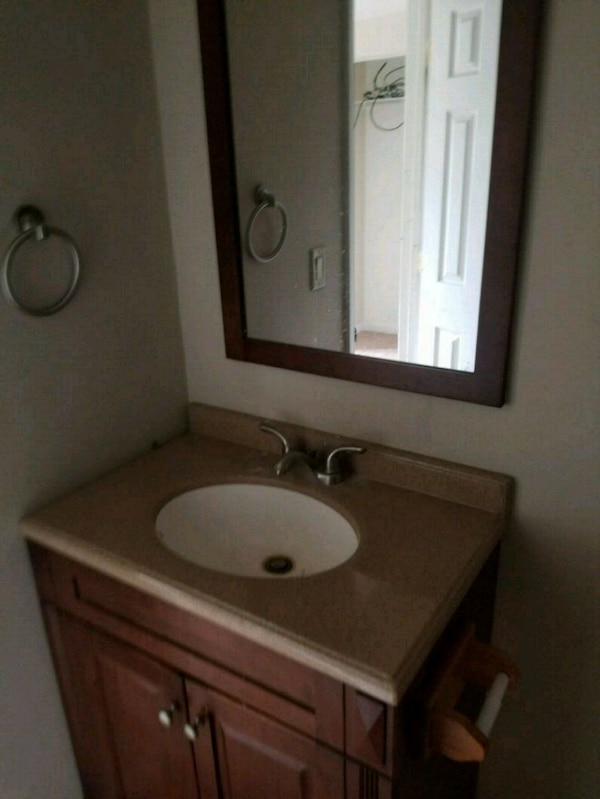 30 inch bathroom vanity with top and faucet