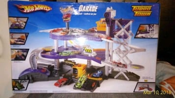 How wheels turbo town garage play set