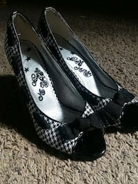 Naughty Monkey Shoes Size 8 or 8 1/2 Springfield, 97477