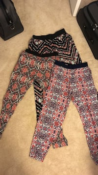 Pants stretchy  (Large)3 for  $15 Purcellville, 20132