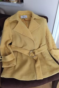 Fabulous Yellow Coat Size M Toronto, M2N 7A1