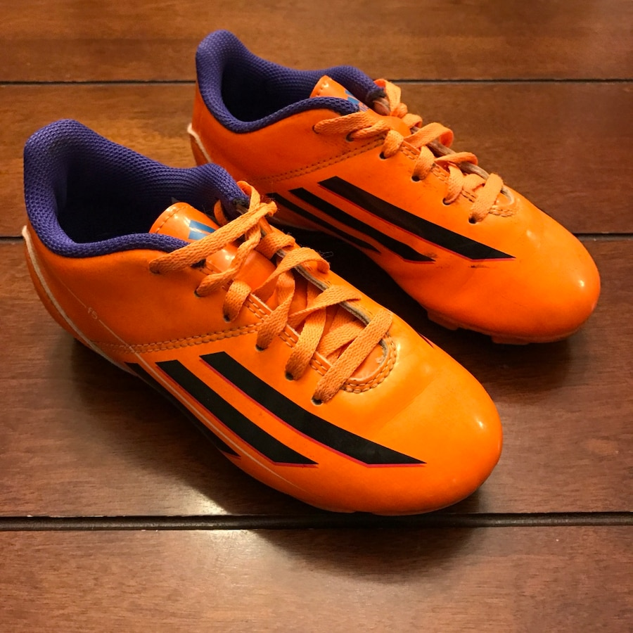 SOCCER CLEATS-various sizes $20 a pair - Canada