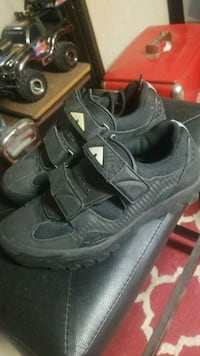 pair of gray Nike Huarache shoes Winnipeg, R2M 0L5