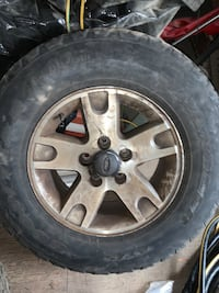 17 inch five lug Ford F150 aluminum rims. I only have two or a pair